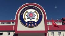 İL EMNİYET MÜDÜRLÜĞÜ - Adana'da Uyuşturucu Operasyonunda Yakalanan 8 Zanlıdan 3'Ü Tutuklandı