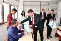 HATIRA FOTOĞRAFI - Başkan Dinçer Öğrencilerle Buluştu