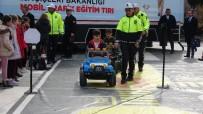 İÇIŞLERI BAKANLıĞı - Çanakkale'de Minik Öğrencilere Akülü Arabalarla Trafik Eğitimi
