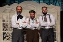 DEVLET TIYATROLARı - Bursalı Adranos Tiyatro'dan Bir Palto Uyarlaması