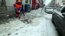 BUZ SARKITLARI - Doğu Anadolu'da Kar Yağışı Etkili Oldu