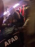 SAĞLIK EKİBİ - Jandarma Emniyeti Sağladı, Hasta Kadın 3 Saat Süren Çalışmanın Ardından Kurtarıldı