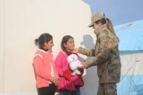 DEPREM - Kadın Astsubaylar Depremzede Çocuklara Umut Oldu