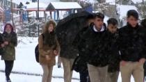 KARAYOLLARI - Kars İle Ardahan'da Kar Ve Tipi Ulaşımı Aksatıyor