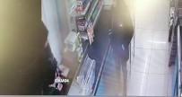 YUNUS EMRE - Sancaktepe'de Markette Bıçaklı Gaspçı Kamerada