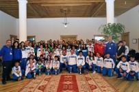 HALK OYUNLARI - Büyükşehir Sporcuları Başarıya Doymuyor
