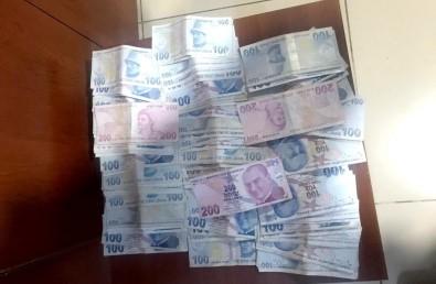 Abdest Alan Şahsın Cebinden 10 Bin TL Çalındı