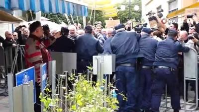 Güney Kıbrıs'ın Sınırı Kapatması Rumları Kızdırdı