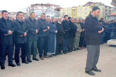 Kırıkkale'de İdlib Şehitleri İçin Gıyabi Cenaze Namazı Kılındı