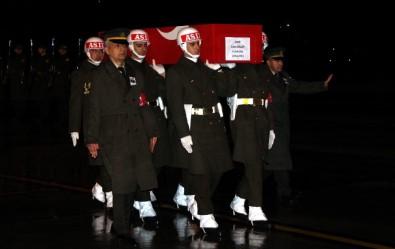 Şehit Uzman Onbaşı Gözyaşlarıyla Karşılandı