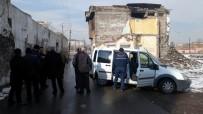 POLİS - Camiye Gitmeyince Arkadaşları Şüphelendi, Evinde Ölü Bulundu