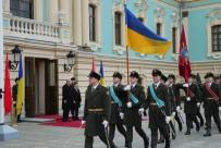 CUMHURBAŞKANLIĞI - Cumhurbaşkanı Erdoğan, Kiev'de Resmi Törenle Karşılandı