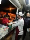 POLİS - Deprem Mutfak Tırı 18 Bin Kişiye Yemek Dağıttı