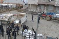 HASAR TESPİT - Depremzede Çiftçilere 25 Ton Kaba Yem Dağıtıldı