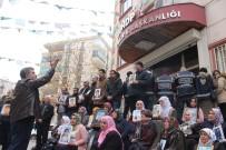 ALLAH - Evlat Nöbetindeki Ailelerden 'Kahrolsun HDP, Kahrolsun PKK' Sloganı