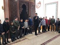 ÖĞRENCİLER - Hüyük'te Yarıyıl Tatilinde Namazlarını Camilerde Kılan Öğrencilere Ödül