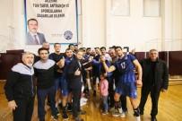 KAĞıTSPOR - Kağıtspor Voleybolda Liderliği Geri Aldı
