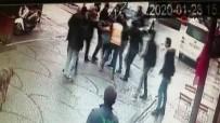 Tuzla'da İki Gencin Sokak Ortasındaki Kavgası Kamerada