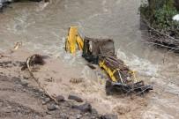HİDROELEKTRİK - Derede Kaybolan Operatör İçin 79 Personelle Arama Çalışmaları Sürüyor
