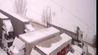 ÜLKER - Kar Küreme Aracını Seyrederken Canından Oluyordu