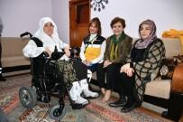 80 Yaşındaki Kadına Akülü Tekerlekli Sandalye