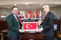 TÜRK BAYRAĞI - Düzce Başsavcısı Çelik, Başkan Yanmaz'ı Ziyaret Etti