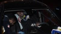 Kontrolden Çıkan Otomobil Önce Kaldırıma Sonra Ağaca Çarptı Açıklaması 1 Yaralı