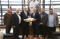 Susurluk Belediye Başkanı Nurettin Güney Kazım Kurt'u Ziyaret Etti