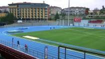 Bakan Kasapoğlu, Burhan Felek Atletizm Stadı'nda İncelemelerde Bulundu