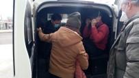 VIETNAM - Kaçak Göçmenleri Donmak Üzereyken Polis Kurtardı