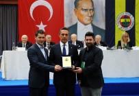 FENERBAHÇE BAŞKANI - Fenerbahçe'de 40 Ve 50 Yıllık Üyeler Beratlarını Aldı