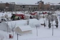 Kar Yağan Elazığ'da, Çadır Kentte Yaşam