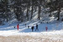 HAFTA SONU TATİLİ - Muğla'da Yarım Saat Arayla Kar Ve Sahil Keyfi