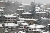Tarihi Konakların Kar Güzelliği