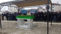 CİNAYET ZANLISI - Bıçaklanarak Öldürülen Yaşlı Adam Toprağa Verildi
