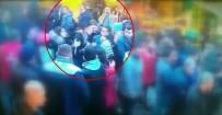 Fatih'te 3 Kişi Herkesin İçinde Bir Kadının Telefonunu Böyle Çaldı