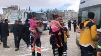 TURGUT ÖZAL - Minibüsün İçinde Yakılan Piknik Tüpü Alev Aldı, 6 Kişilik Aile Ölümden Döndü
