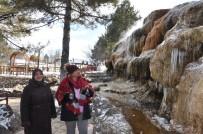 Soğuk Havalar Termal Şelaleyi Dondurdu