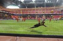PEDRO - Süper Lig Açıklaması HES Kablo Kayserispor Açıklaması 1 - Antalyaspor Açıklaması 1 (İlk Yarı)