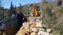 Akseki Mahmutlar'da 30 Yıllık Su Boruları Yenilendi