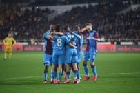 YENİ MALATYASPOR - Trabzon liderliğe yükseldi!