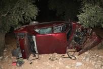 Otomobil Tarlaya Yuvarlandı Açıklaması 1 Yaralı