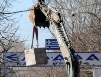 SINIR KAPISI - Yunanistan sınıra beton blok koydu