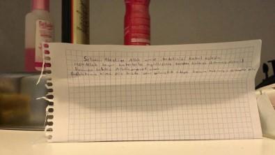 Yurttan çıkan öğrenciden duygulandıran not