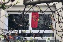 YARDIM ÇAĞRISI - Fransa'da Koronaya Karşı Kırmızı Bez Dayanışması
