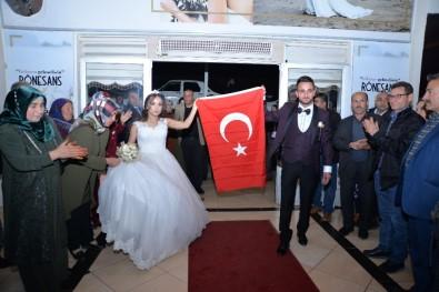 Düğünlerinde İdlib Şehitlerini Unutmadılar