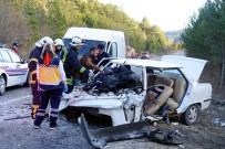 Kastamonu'da Ticari Minibüsle Otomobil Çarpıştı Açıklaması 1 Ölü, 6 Yaralı