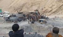 KURTARMA EKİBİ - Pakistan'da Maden Ocağında Patlama Açıklaması 7 Ölü, 4 Yaralı