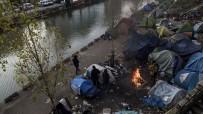 SıĞıNMA - Paris'te Yüzlerce Düzensiz Göçmen Covid-19 Salgınının Darbesini Yaşıyor