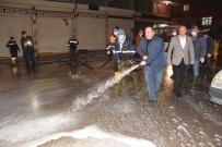 VİRANŞEHİR - Belediye Başkanı Selih Ekinci Sokakları Dezenfekte Etti
